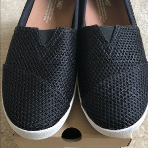 d8af34cdc96 Toms Shoes - BNIB Toms Women s Avalon Layered Mesh Slip-On